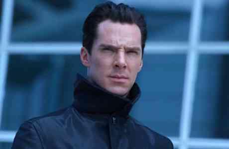 Benedict-Cumberbatch-Into-Darkness1