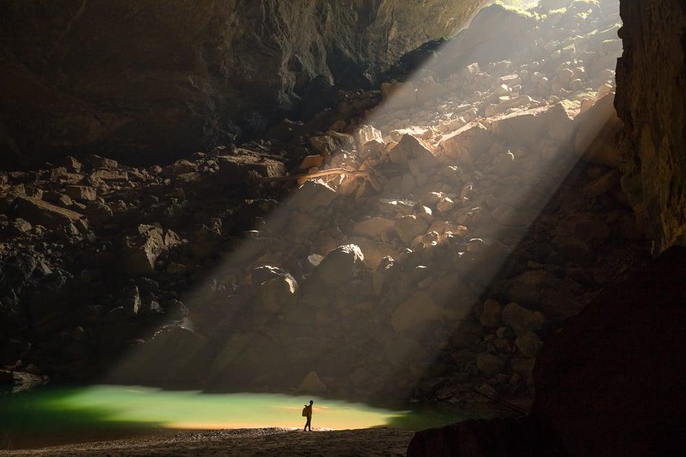 Hang-En-Cave-Sunbeam-Phong-Nha-Ke-Bang