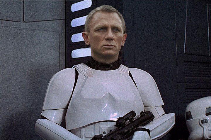 Daniel Craig Really Was a Stormtrooper in Star Wars: The Force Awakens ... Daniel Craig