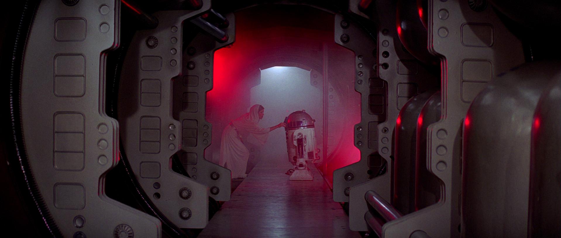 6 - Leia and R2