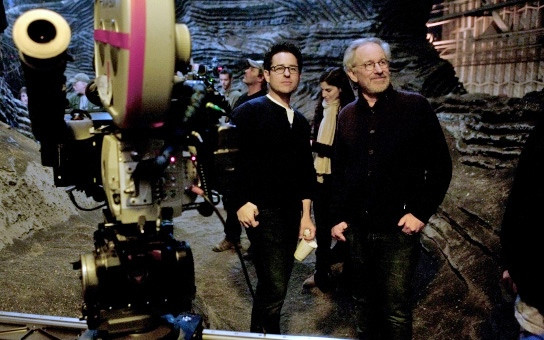JJ-abrams-and-Spielberg-on-Super-8-set
