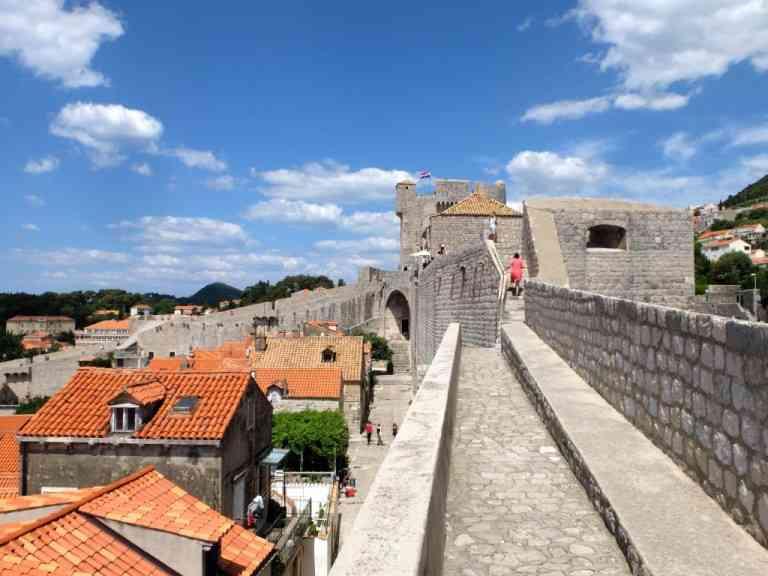 Dubrovnik citywalls-768x576