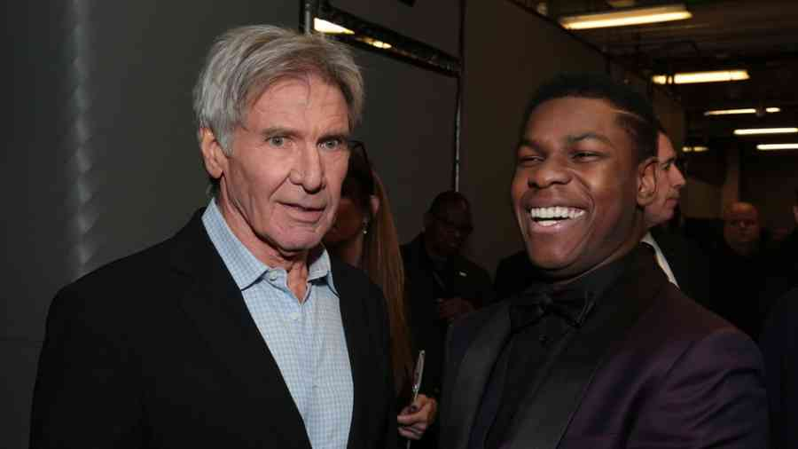 John_Boyega_with_Harrison_Ford
