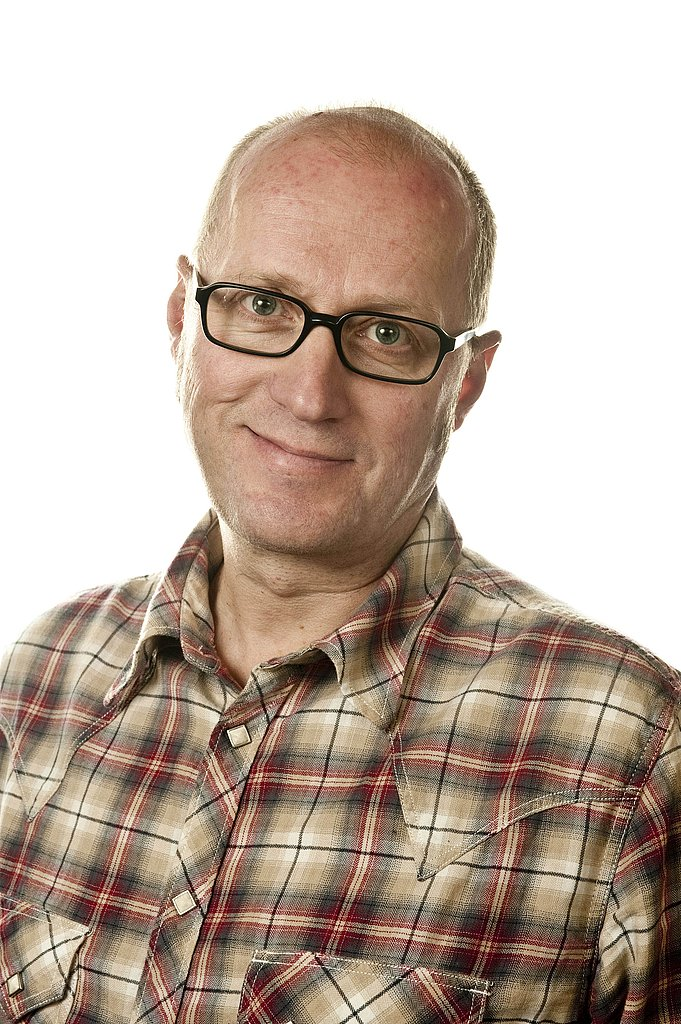 Debunked Rumor Ade Edmondson Reportedly Looking At Star