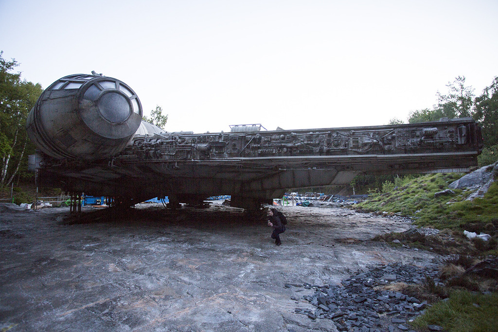 update  even more photos with the millennium falcon from