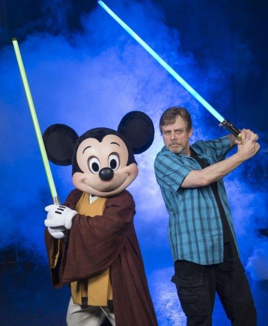 Mark-Hamill-Lightsaber-Mickey