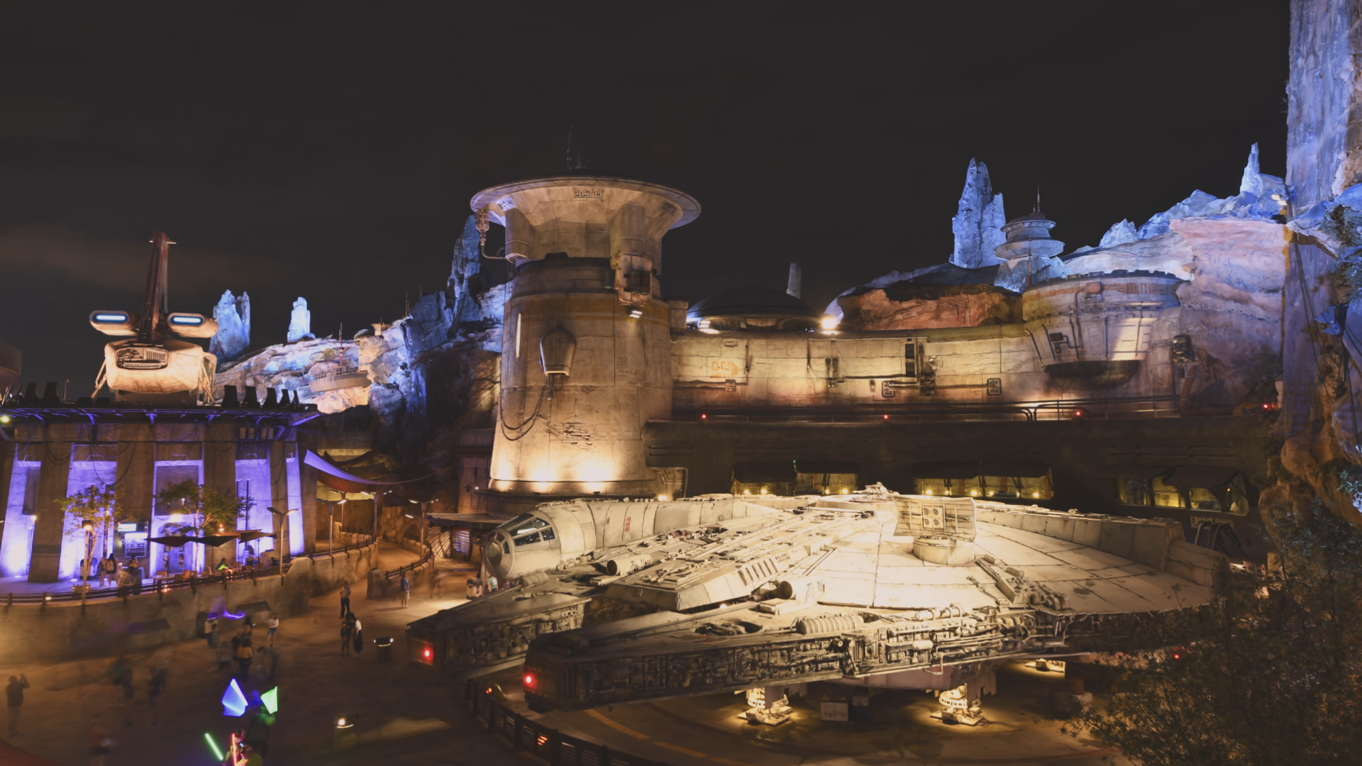 The Millennium Falcon at Star Wars Galaxy's Edge