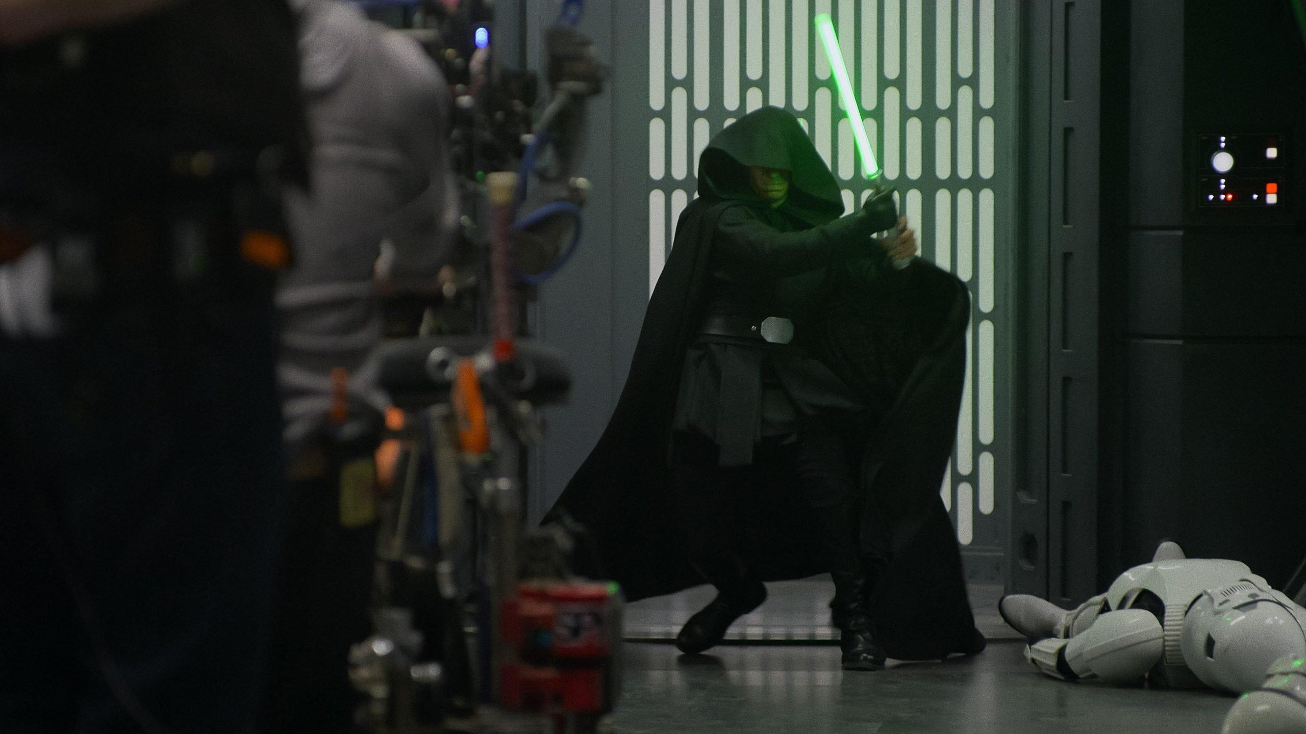 Behind the scenes photo of The Mandalorian season 2 finale